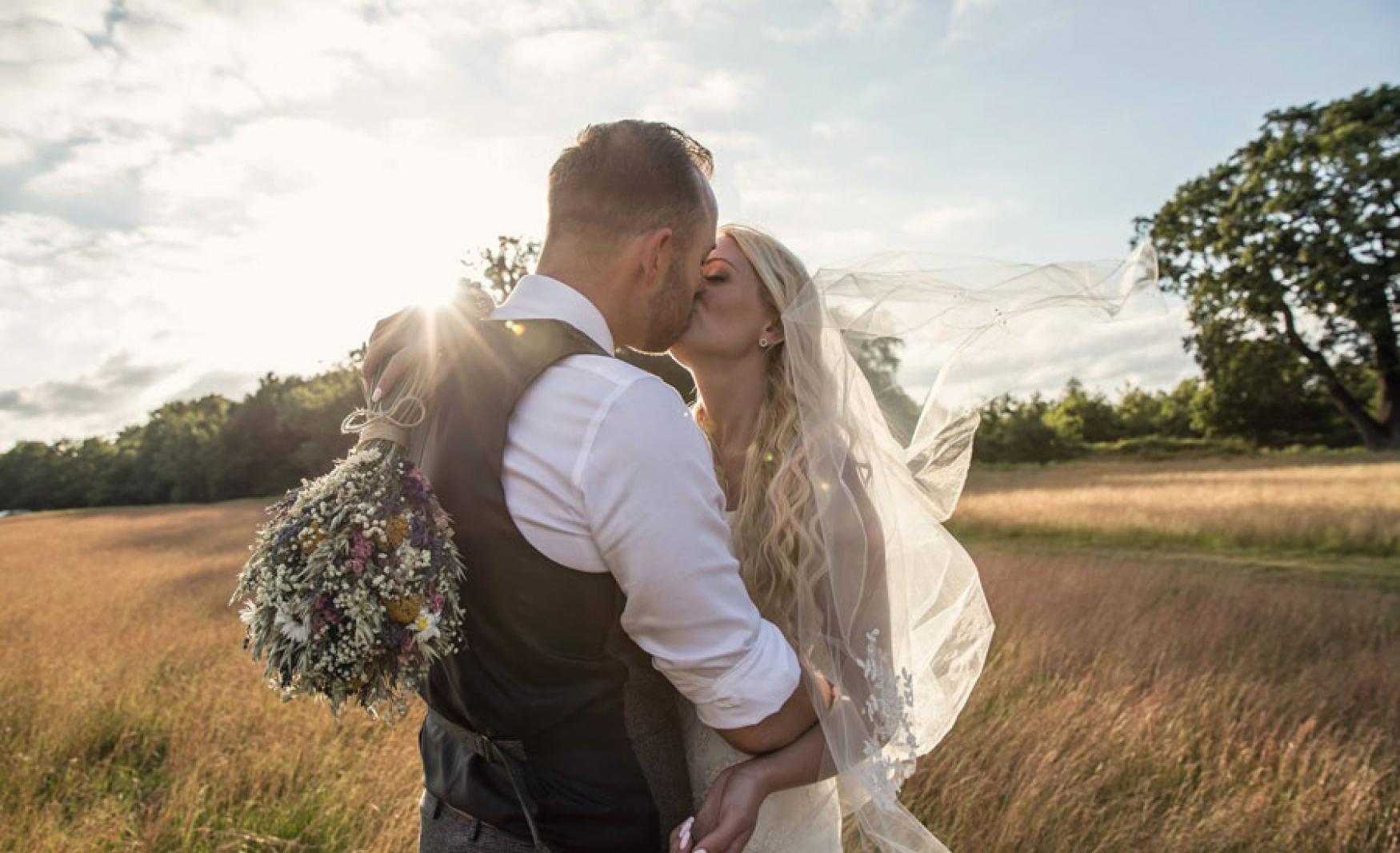 fiesta-fields-outdoor-wedding-events-company-tipi-surrey-sussex-hidden-valley-godalming-7